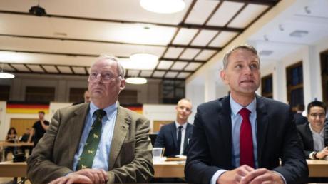 Alexander Gauland und Björn Höcke beim Bundeskongress der Jungen Alternative (JA) für Deutschland. Foto: Alexander Prautzsch