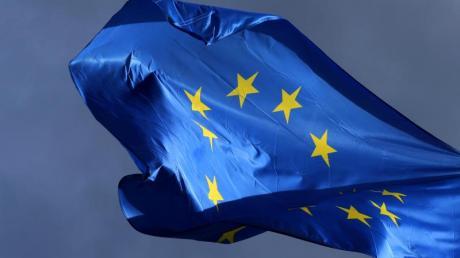 Turbulente Zeiten: Wenn Ursula von der Leyen am Dienstag zur EU-Kommissionspräsidentin gewählt wird, erbt sie einen gewaltigen Berg an Problemen.