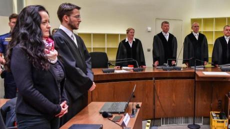Das Oberlandesgericht München hat Beate Zschäpe wegen zehnfachen Mordes zu lebenslanger Haft verurteilt. Foto: Peter Kneffel