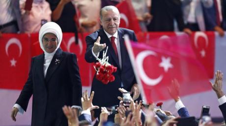 Der türkische Präsident Recep Tayyip Erdogan und seine Frau Emine stehen wegen ihres luxuriösen Lebensstils in der Kritik.