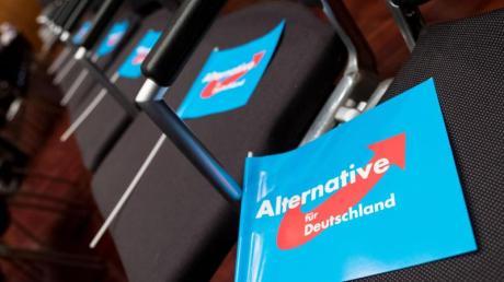 Emnid-Sonntagstrend: Die AfD ist erstmals an der SPD vorbeigezogen, und die große Koalition hat keine Mehrheit mehr. Foto: Peter Steffen