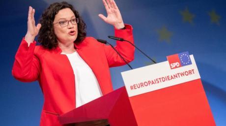 SPD-Chefin Andrea Nahles spricht auf dem Parteikonvent zur Europawahl in Berlin. Foto: Kay Nietfeld