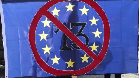 Kurz vor der entscheidenden Abstimmung über die Reform des Urheberrechts im EU-Parlament haben Tausende in Europa gegen das Vorhaben protestiert. Foto: Peter Endig