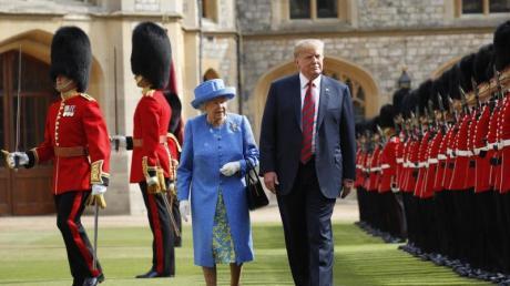 Donald Trump im vergangenen Juli zusammen mit der britischen Königin bei einem Besuch auf Windsor Castle.