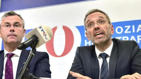 Parteivorsitzender und Fraktionschef:  Zwischen Norbert Hofer und Herbert Kickl ist bei den Freiheitlichen inzwischen viel Platz. Der Machtkampf tobt.