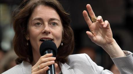 SPD-Politikerin Katarina Barley wirft Viktor Orbán Korruption vor.