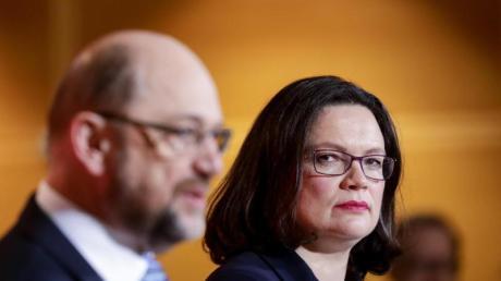 Martin Schulz soll Medienberichten zufolge planen gegen Andrea Nahles um den SPD-Fraktionsvorsitz zukandidieren.