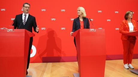 Die drei bisherigen Nahles-Stellvertreter Thorsten Schäfer-Gümbel, Manuela Schwesigund Malu Dreyer (von links).