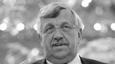 Walter Lübcke wurde vor einem Jahr mit einer tödlichenSchusswunde auf der Terasse seines Hauses gefunden.