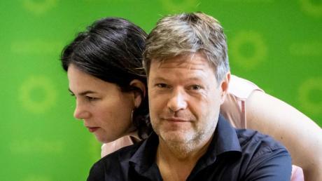 Annalena Baerbock und Robert Habeck sind seit Januar 2018 Parteichefs der Grünen.