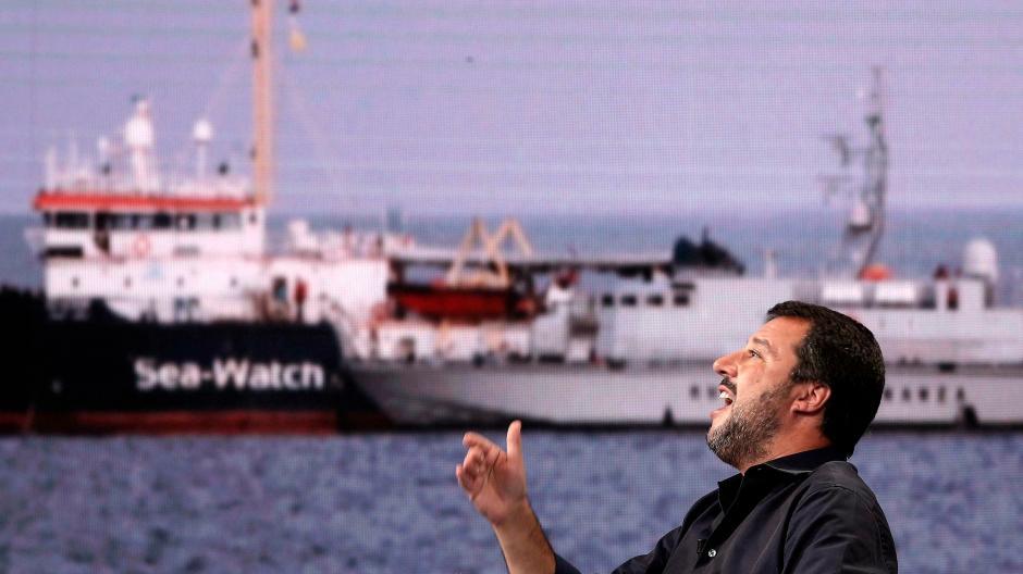 Italien Karte Lampedusa.Sea Watch 3 Rettungsschiff Lasst Es Auf Kraftemessen Vor