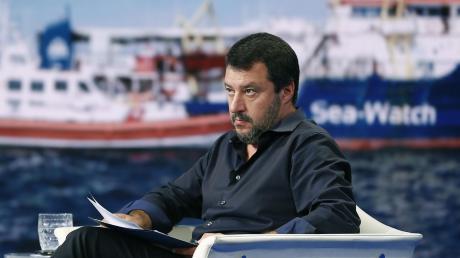 """Italiens Innenminister Matteo Salvini baut auf sturen Populismus und simple Antworten– auchin der Aufregungrund um die""""Sea-Watch"""" undKapitänin Carola Rackete."""