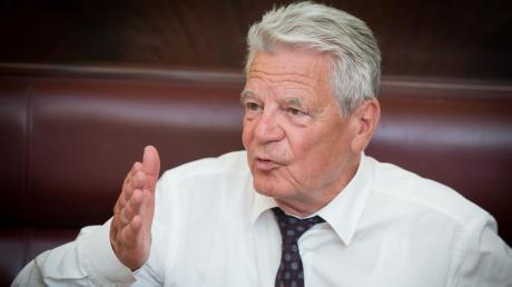 Joachim Gauck, Bundespräsident a.D.,spricht im Interviewüber die AfD, die Probleme der etablierten Parteien in Deutschlandund über sein persönliches Verhältnis zur Stadt Augsburg.