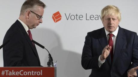 Staatsminister Michael Gove (l) gilt als rechte Hand von Premierminister Boris Johnson.