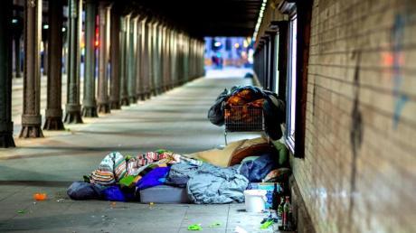 Mehr Hilfe für Obdachlose - das ist das Ziel einer neuen Stiftung in Bayern.