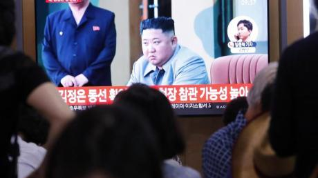 Nordkoreas Machthaber Kim Jong Un überwachte den Start der Raketen laut Staatsmedien persönlich.