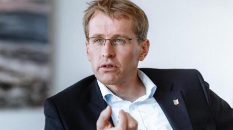 Schleswig-Holsteins Ministerpräsident Daniel Günther glaubt, dass die Union bei der Wahl besser abschneidet, als in den Umfragen.