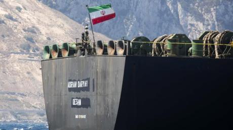 Der iranische Öltanker «Adrian Darya-1» hält Kurs in Richtung Türkei. Foto:Marcos Moreno/AP
