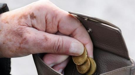 Der Anteil der von Armut bedrohten Rentner könnte bis 2039 auf 21,6 Prozent wachsen. Foto: Stephanie Pilick