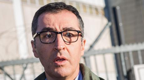 Cem Özdemir hat ernsthafte Ambitionen, bei den Grünen wieder eine entscheidende Rolle zu spielen.