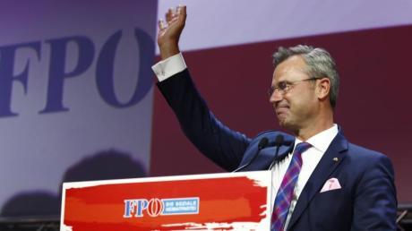 Norbert Hofer während des 33. ordentlichen Bundesparteitags der FPÖ in Graz. Er wurde mit 98,24 Prozent der Stimmen zum Vorsitzenden der FPÖ gewählt.