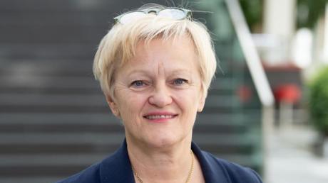 Nach dem umstrittenen Urteil im Hasspost-Prozess sagt Grünen-Politikerin Künast Hassbotschaften im Netz den Kampf an - und will Internetkonzerne stärker in die Pflicht nehmen.