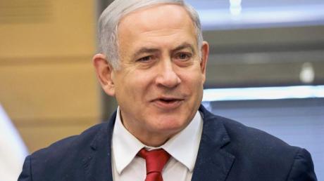 Benjamin Netanjahu, Premierminister von Israel, spricht während der Fraktionssitzung der Likud-Partei, vor der Vereidigung des 22. israelischen Parlaments (Knesset). Foto: Ilia Yefimovich/dpa