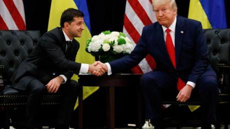 US-Präsident Donald Trump und sein ukrainischer Amtskollege Wolodymyr Selenskyj in New York. Foto: Evan Vucci/AP/dpa
