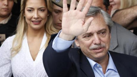 Kandidat der Peronisten: Alberto Fernández (r). Foto: Natacha Pisarenko/AP/dpa