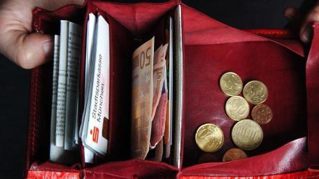 Wird bald mehr im Portemonnaie sein? Spitzenvertreter von Union und SPD konnten sich beim Streitthema Grundrente wieder nicht einigen. Foto: Andreas Gebert/dpa