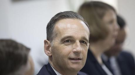 Heiko Maas nimmt an einem Treffen mit Geschäftsführern deutscher Unternehmen teil, die in Ägypten tätig sind.