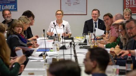 Kann er weiterregieren? Der Thüringer Ministerpräsident Bodo Ramelow und die Linke-Landesvorsitzende Susanne Hennig-Wellsow beraten mit dem Landesvorstand.