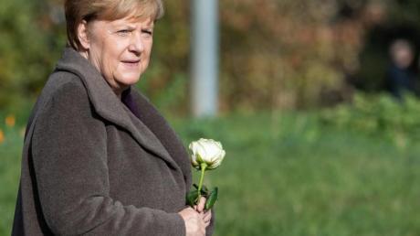 Kanzlerin Merkel gedenkt in Zwickau der zehn Todesopfer der rechtsextremen Terrorgruppe NSU. Foto: Robert Michael/dpa-Zentralbild/dpa