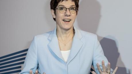 Annegret Kramp-Karrenbauer (CDU), Bundesverteidigungsministerin und CDU-Chefin. Foto: Christoph Soeder/dpa
