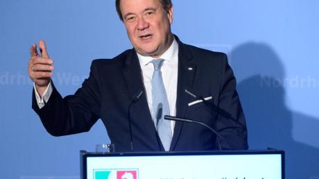 Während die Zufriedenheit mit der schwarz-gelben Landesregierung deutlich gesunken ist, genießt MinisterpräsidentArmin Laschet (CDU)so viel Rückhalt in der Bevölkerung wie noch nie. Foto: Roberto Pfeil/dpa