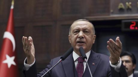 Der türkische Präsident Recep Tayyip Erdogan, bei einer Rede im Parlament in Ankara. Foto: Burhan Ozbilici/AP/dpa