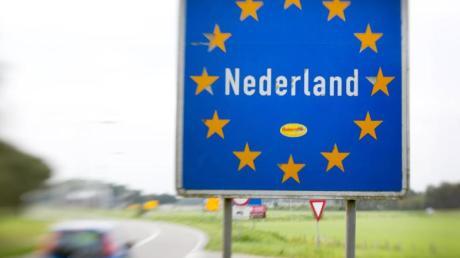 Als erstes Land in Europa führen die Niederlande Tempo 100 als Höchstgeschwindigkeit auf allen Autobahnen ein.
