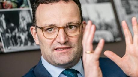 Jens Spahn (CDU), Bundesgesundheitsminister, aufgenommen während eines Interviews mit der dpa Deutsche Presse-Agentur GmbH. Foto: Michael Kappeler/dpa