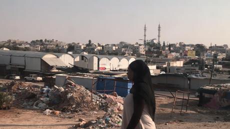 In der Beduinenstadt Rahat am Rande der israelischen Wüste ist das Leben alles andere als einfach für eine Frau.