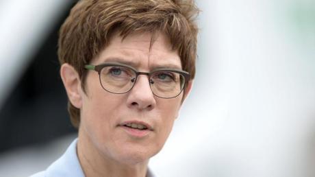 Selbstkritisch:Annegret Kramp-Karrenbauer, CDU-Vorsitzende und Verteidigungsministerin. Foto: Sebastian Kahnert/zb/dpa