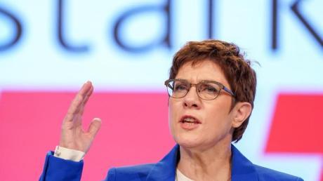 Annegret Kramp-Karrenbauer, Bundesvorsitzende der CDU und Verteidigungsministerin, spricht beim CDU-Bundesparteitag.