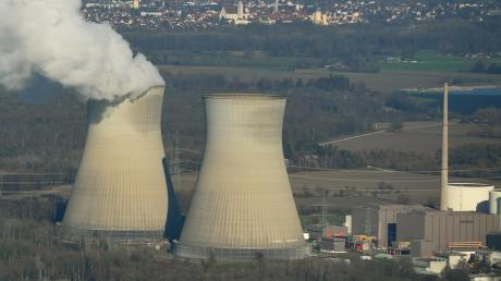 Am Standort des Atomkraftwerkes Gundremmingen dürfte kein Windrad gebaut werden – der Abstand zu den nächsten Wohnhäusern wäre zu klein.