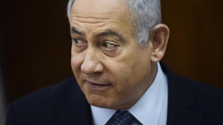 Eine Wahlkampfveranstaltung von Israels Ministerpräsidenten Benjamin Netanjahu wurde von einem palästinensischen Raketenangriff unterbrochen.