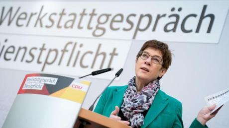 In der CDU ist die Begeisterung über die Vorschläge von Parteichefin Kramp-Karrenbauer zu einem verpflichtenden Dienstjahr überschaubar.
