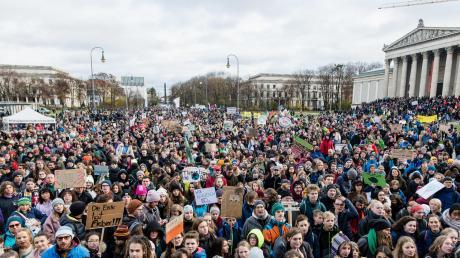 Fridays for Future bewegt die Massen: An den Klimaprotesten am Freitag haben sich allein in Berlin etwa 60.000 Menschen beteiligt.