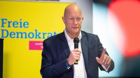Thüringens FDP-Chef Thomas Kemmerich will Lösungen eine Minderheitsregierung ausloten, die nicht unter Führung der Linken steht.