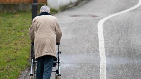 Laut einer aktuellen Umfrage hat sich in weiten Teilen der Bevölkerung die Erkenntnis durchgesetzt, dass die gesetzliche Rente im Ruhestand eher nicht ausreichen wird.