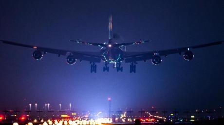 Nach Polizeiangaben traf die mutmaßliche IS-Unterstützerin mit ihren vier Kindern an Bord einer Turkish-Airlines-Maschine am Frankfurter Flughafen ein.