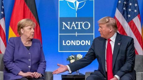 Merkel und Trump beim Nato-Gipfel in Watford bei London.