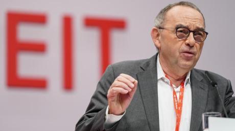 Bei den Themen Klimaschutz, Vermögensteuer, schwarze Null und E-Mobilität sehe er durchaus Möglichkeiten, dem Koalitionspartner neue Zugeständnisse abzuringen, sagt Norbert Walter-Borjans.